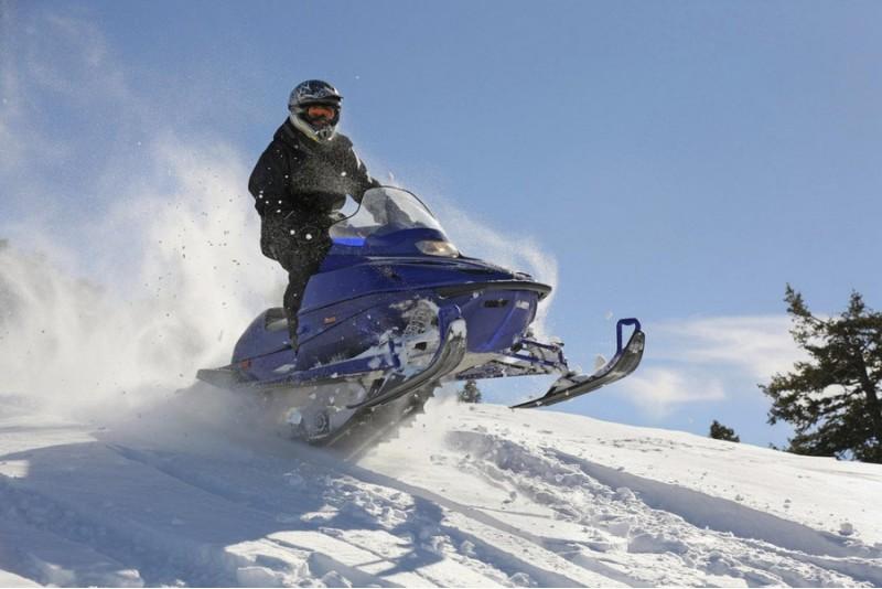 Ekstrēma safari ar sniega motociklu