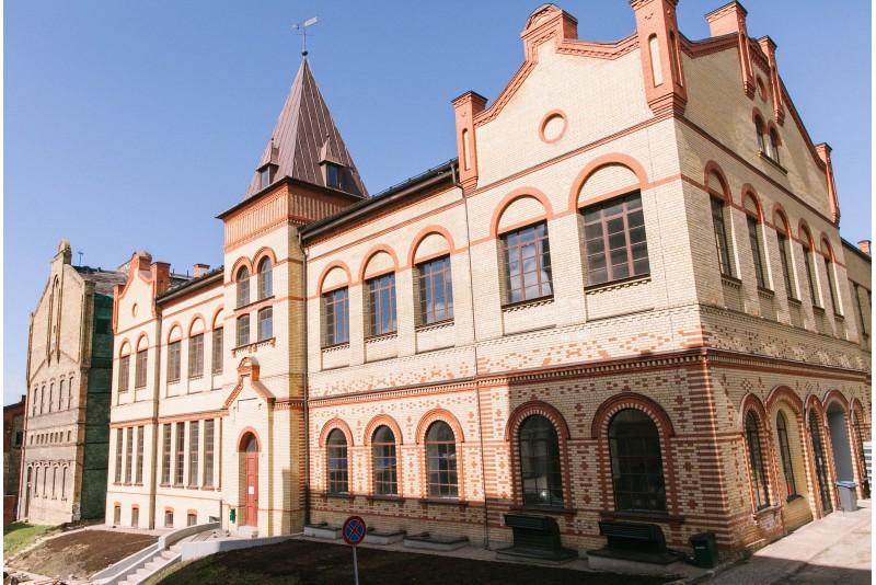 Ekskursija pa alus muzeju – Aldara alus darbnīca  Rīgā