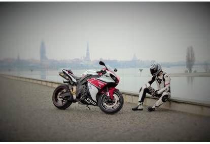 Мотопоездка на мотоцикле  в Риге