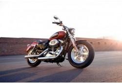 """Brauciens ar jaudīgu motociklu """"Harley-Davidson"""" Viļņā"""