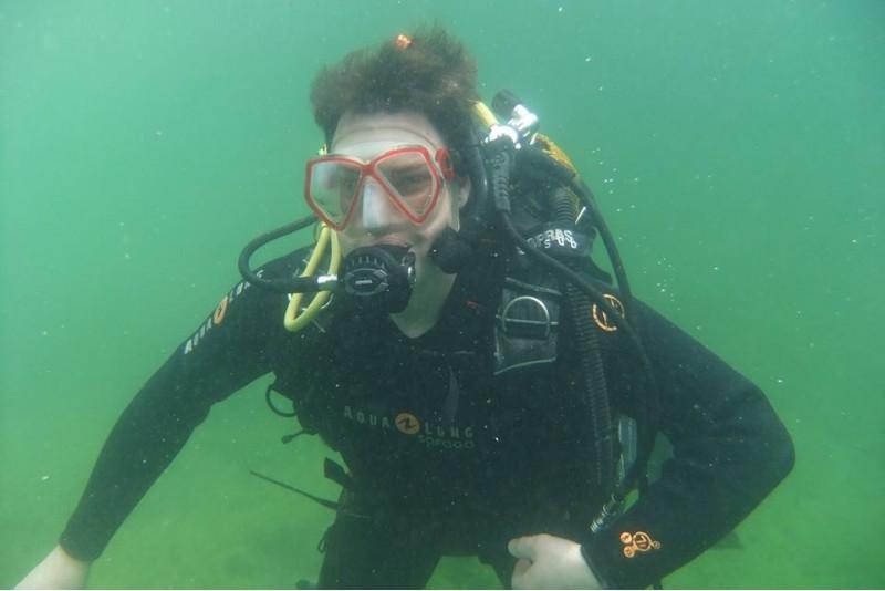 Niršana ar zem ūdens fotosesiju Lampėdžiai ezerā
