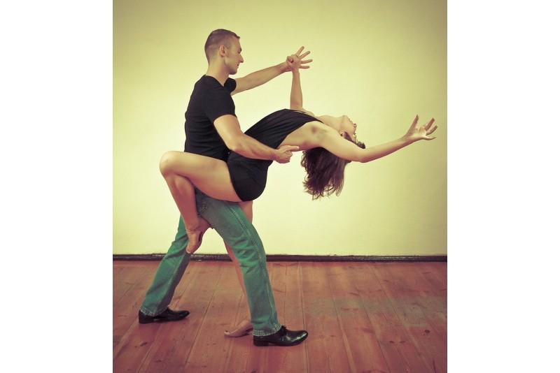 Salsas, Bachata vai Kizomba deju nodarbību abonements