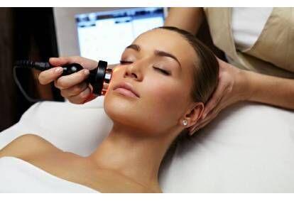 Фотоомоложение кожи + молочный пилинг для свежести кожи лица