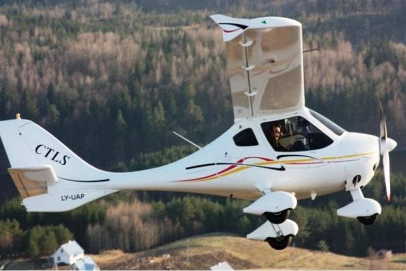 Neaizmirstams lidojums virs Kauņas ar iespēju iemācīties pilotēt