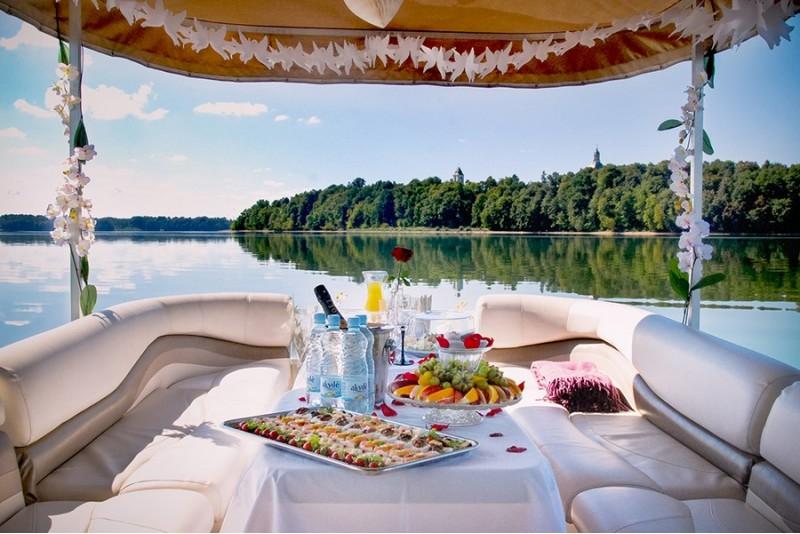 Romantiskas vakariņas un brauciens ar kuģīti Kauņā