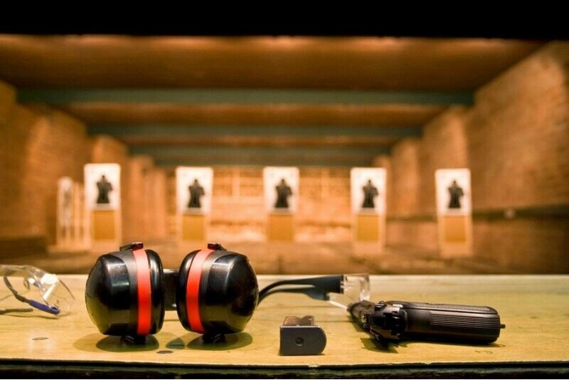 Стрельба 4 koviniais оружием в Хобби центре в Клайпеде