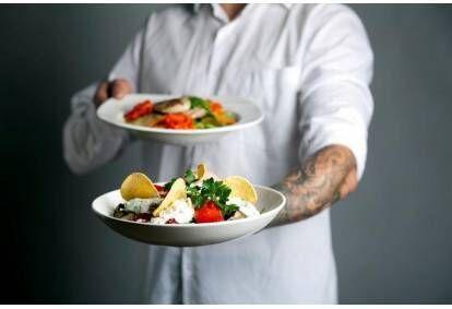 "Gurmaniška vakarienė salotų restorane ""Mano Guru"" Vilniuje"
