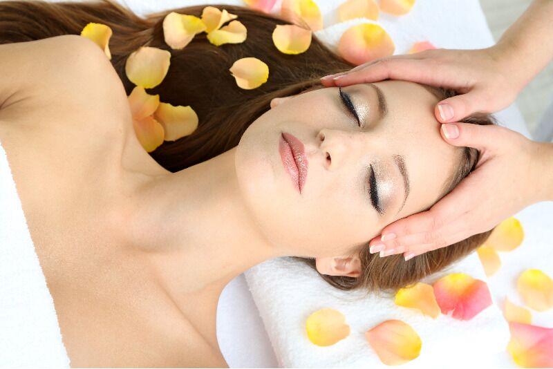 15-etapu procedūra sejas, kakla un dekoltē zonas ādas atjaunošanai