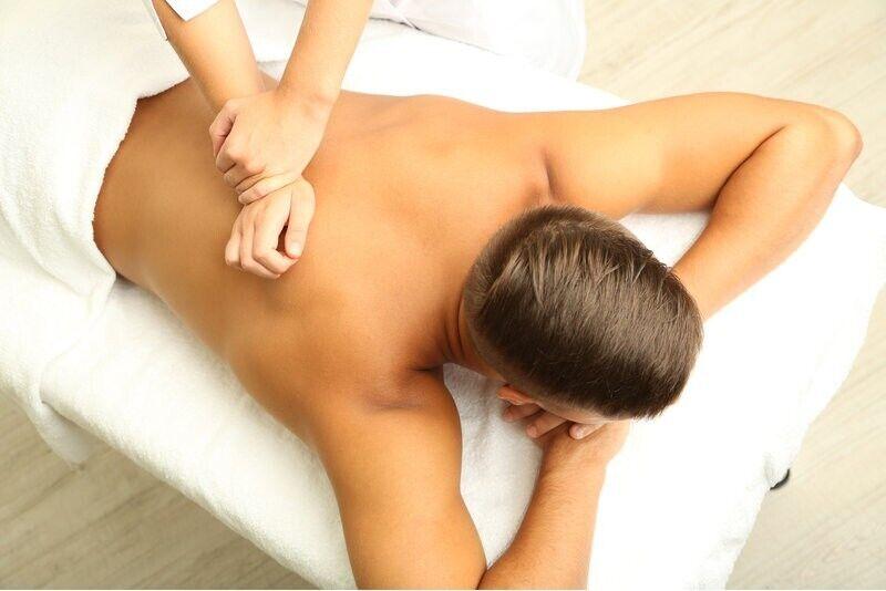 Klasiskā muguras masāža salonā VSpa