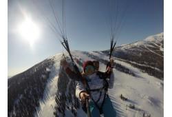Iepazīšanās lidojums ar paraplānu tandēmā ar instruktoru  400-500 metru augstumā .