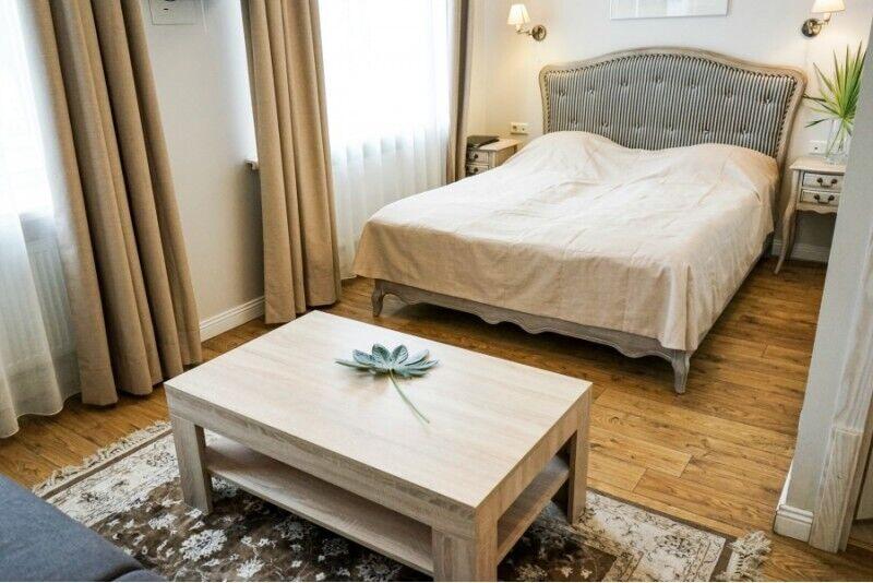 """Romantiska nedēļas nogale divām personām viesnīcā """"Alte Post"""""""