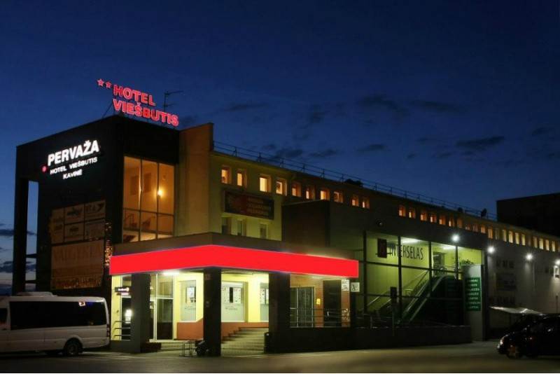 """Romantiska naktsmītne + vakariņas viesnīcā """"Pervaža"""" Paņevežā"""