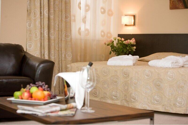 """Romantiska atpūta """"CityRomance"""" ar džakuzi viesnīcā Rocca al Mare Tallinā"""