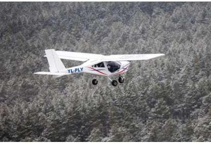 Neaizmirstams vienas stundas lidojums ar lidmašīnu AEROPRAKT-22 Einuros