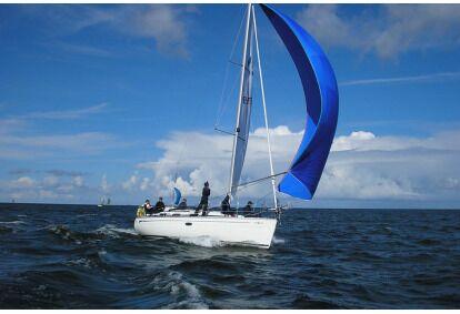 Плавание яхтой в заливе Пярну