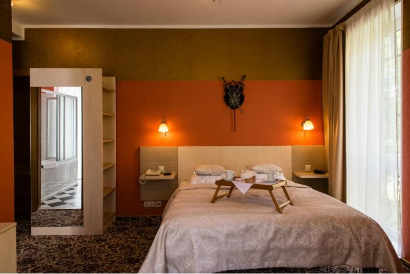 Romantiska atpūta Siguldā viesnīcā Pils - nakšņošana, brokastis un salds pārsteigums