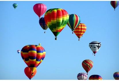 Aizraujošs lidojums ar gaisa balonu Saldū