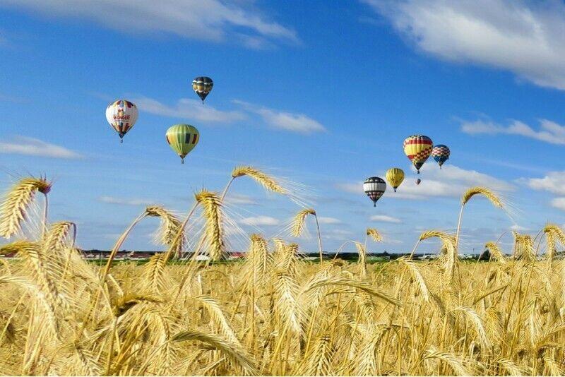 Aizraujošs lidojums ar gaisa balonu Talsos