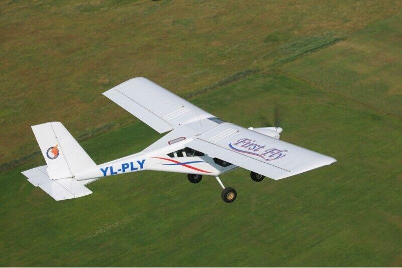 Iepazīšanās lidojums ar divvietīgu lidmašīnu AEROPRAKT-22