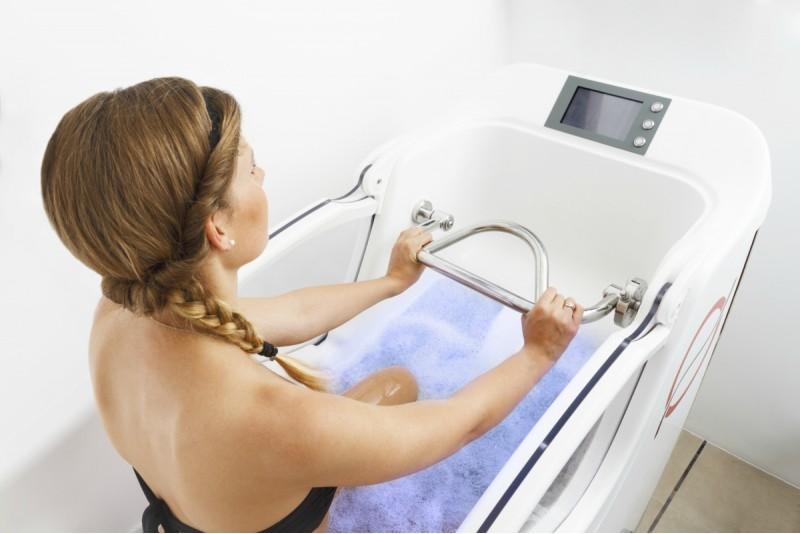 """Aquabike nodarība vienai personai salonā """"Aquafit"""" Rīgā"""