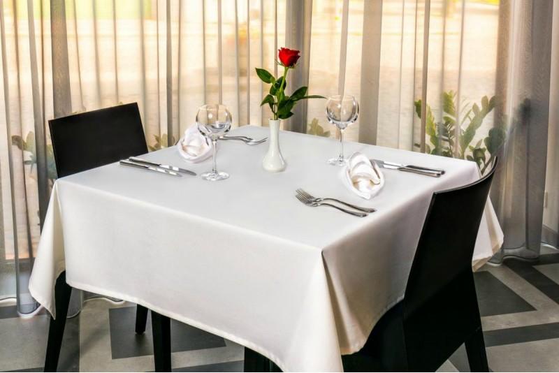"""Romantiska nakšņošana ar vakariņām 4* viesnīcā """"Kolumbs"""" Liepājā"""
