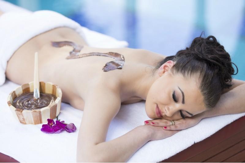 СПА-процедурa для тела с молочным шоколадом, кофе, корицей, красным вином или перцем чили в Риге
