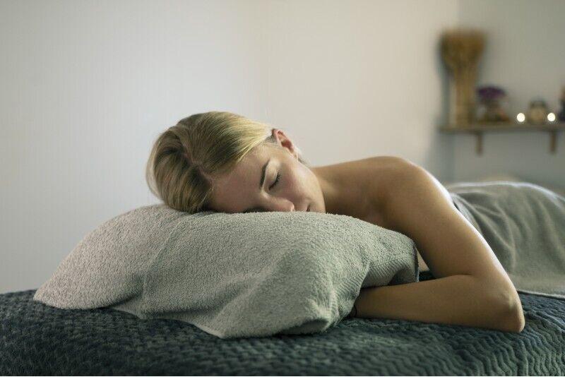 Relaksējoša visa ķermeņa masāža + Dāvana masāžas namā Viļņā