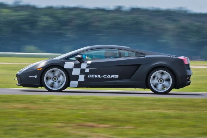 Sēdies pie Lamborghini Gallardo stūres Polijas trasē