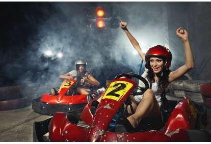 """Saņem īstu adrenalīna devu braucienā ar kartingu 2 personām """"Kartinga namā XL Riga"""""""