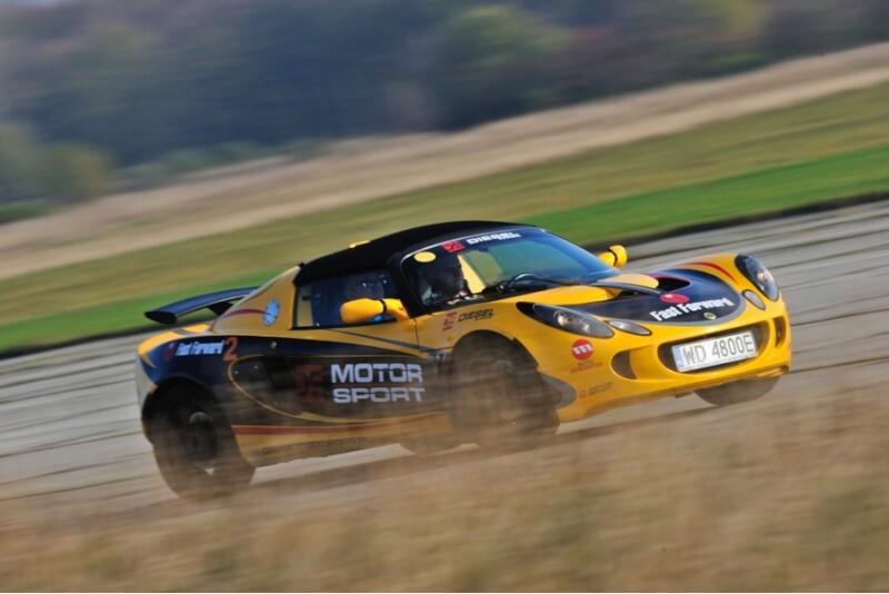 "Izbrauc ar Lotus Exige Polijā kopā ar ""Fast Forward"""