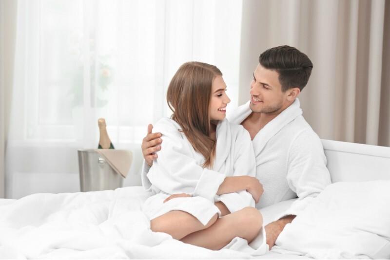 """Romantiska nakšņošana ar vakariņām 4* viesnīcā """"City Hotel TEATER"""" Rīgā"""