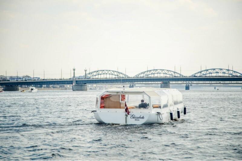 """Relaksējošs izbrauciens ar kuģīti """"Elizabete"""" 10 personām regulārajā reisā Rīgā"""