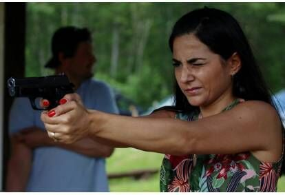 """Šaušana ar pistoli āra šautuvē """"Mežirbes"""""""