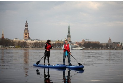 Divu stundu izbrauciens ar SUP dēļiem Rīgas centrā divām personām