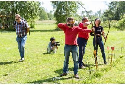Обучение стрельбе из лука для начинающих двум персонам