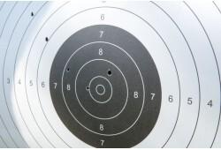 Šaušanas apmācība ar mūsdienu angļu garo loku un otru ieroci pēc izvēles divām personām
