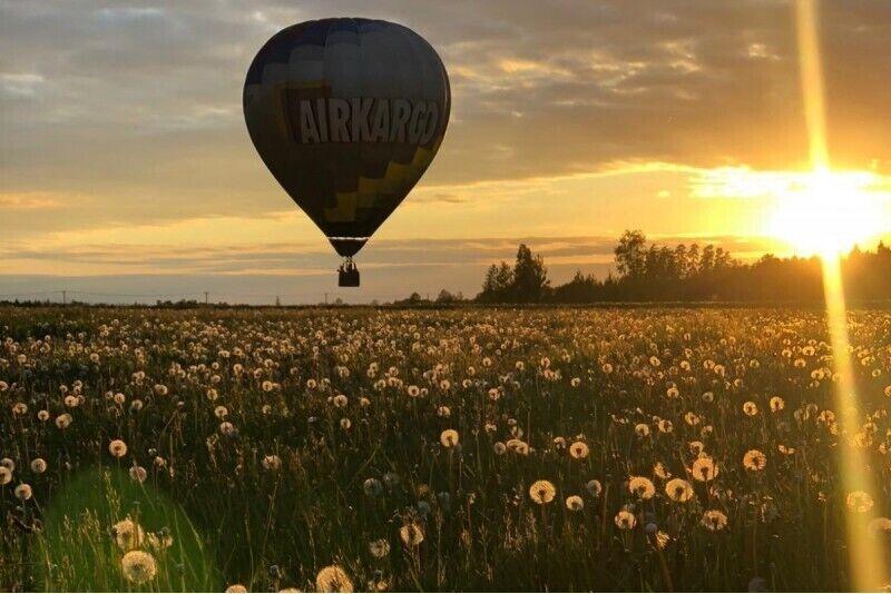 """Bildinājums gaisa balonā: ir grūti teikt """"NĒ"""", kad esi 1000 metrus virs zemes"""