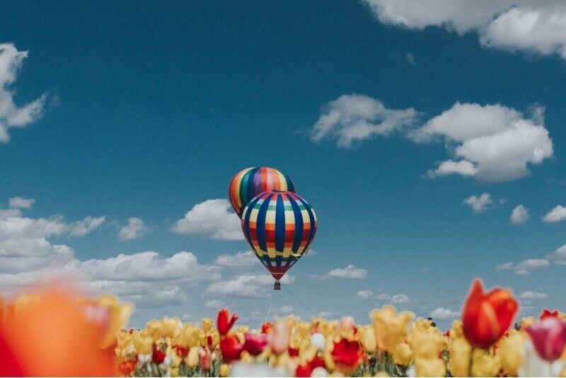 """Lidojums ar gaisa balonu virs Tukuma – """"tilts uz nekurieni"""" un uz neaizmirstamu piedzīvojumu"""