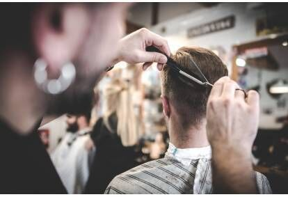 Vīriešu matu griezums Knockout Barber Shop Rīgā