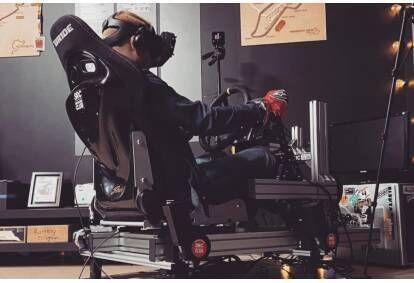 Izbrauciens ar profesionālo 4DOF Motion Rig kustīgo autosimulatoru