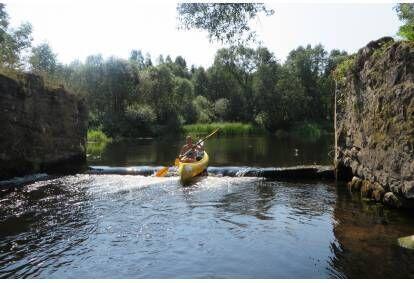 Aizraujošs piedzīvojums ar smailītēm vai kanoe laivām pa Maltas upi