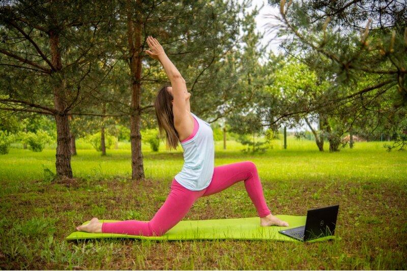 Sešas individuālās nodarbības ar sertificētu fizioterapietu tiešsaistē