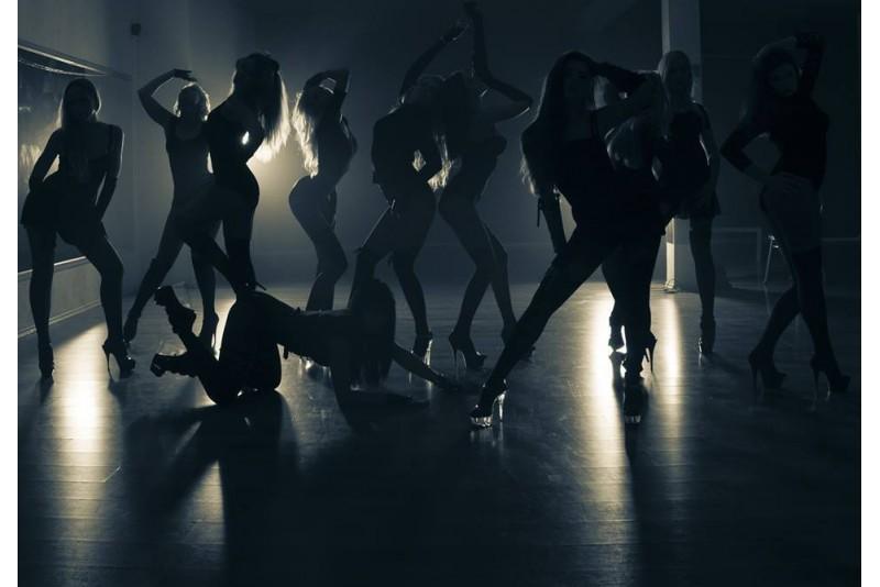 Privāta pole dance/private dance nodarbība draugu grupai Rīgā