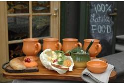"""Latviešu tradicionālo ēdienu restorāns """"Taverna"""""""
